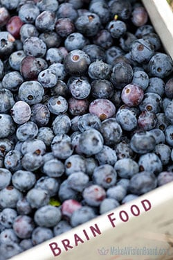 Blueberries - brain food, good mood food, https://www.makeavisionboard.com